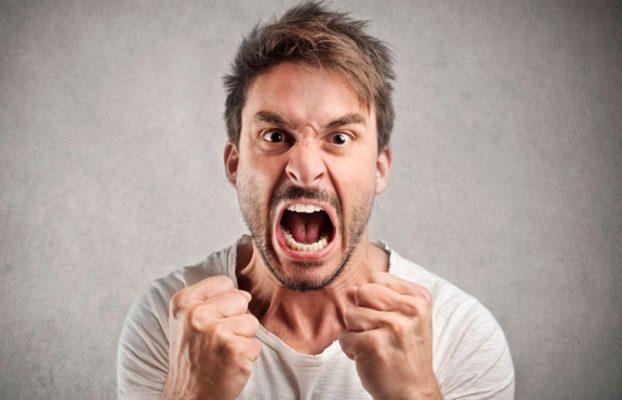 """A violência na comunicação é grave e """"evolui""""."""